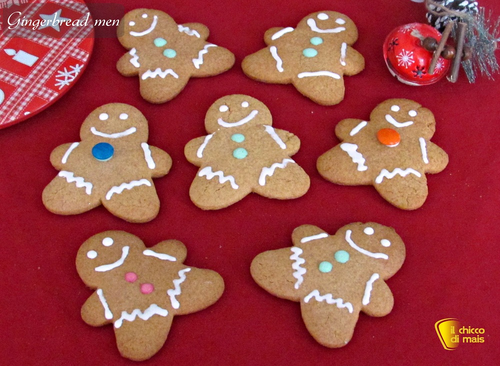 biscotti natalizi gingerbread men il chicco di mais