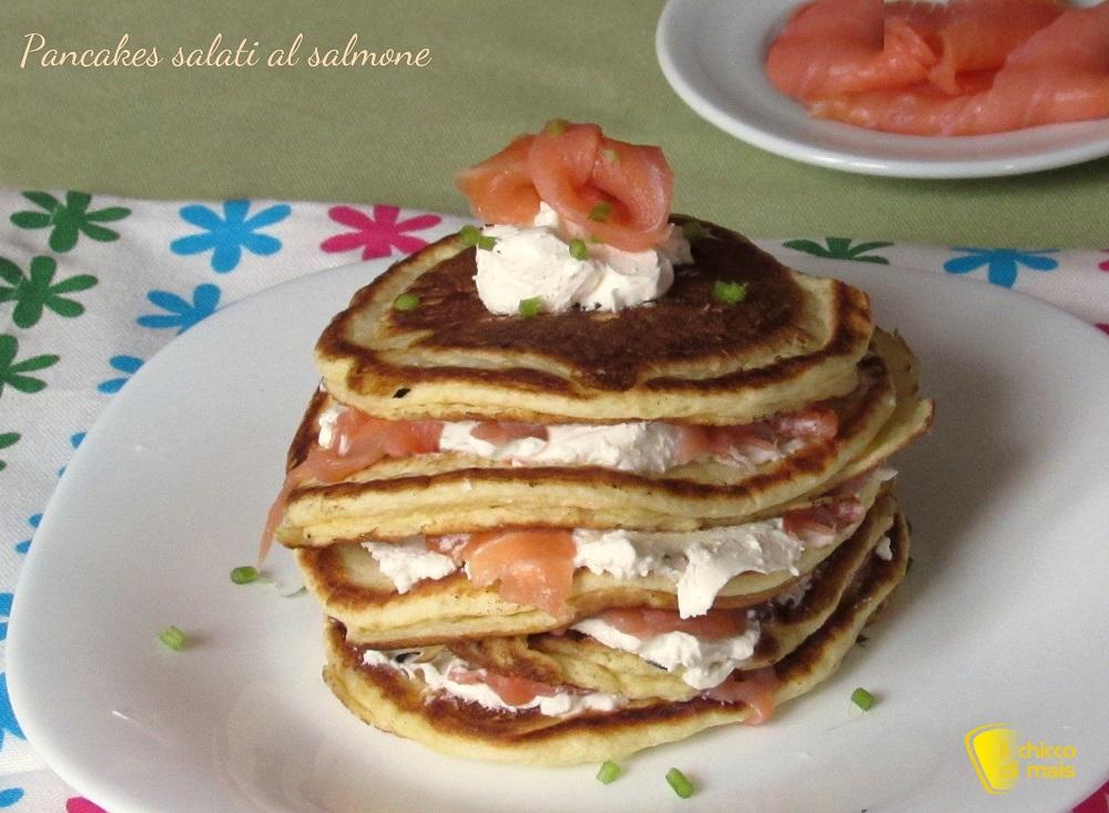secondi con le uova pancakes salati al salmone ricetta il chicco di mais