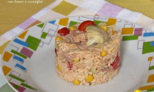 Tortino di riso freddo con tonno e carciofini