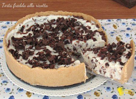 Torta fredda alla ricotta e gocce di cioccolato