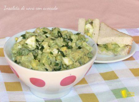 Insalata di uova con avocado