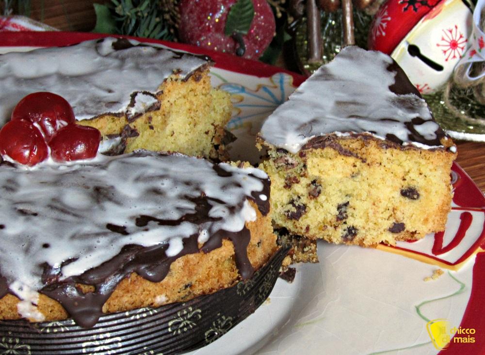 dolce di natale veloce ricetta facile torta natalizia al cioccolato glassata il chicco di mais fetta