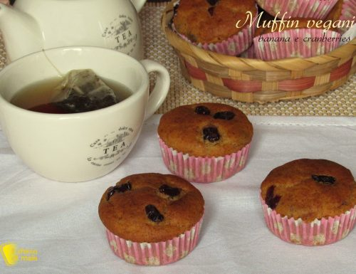 Muffin vegani banana e cranberries