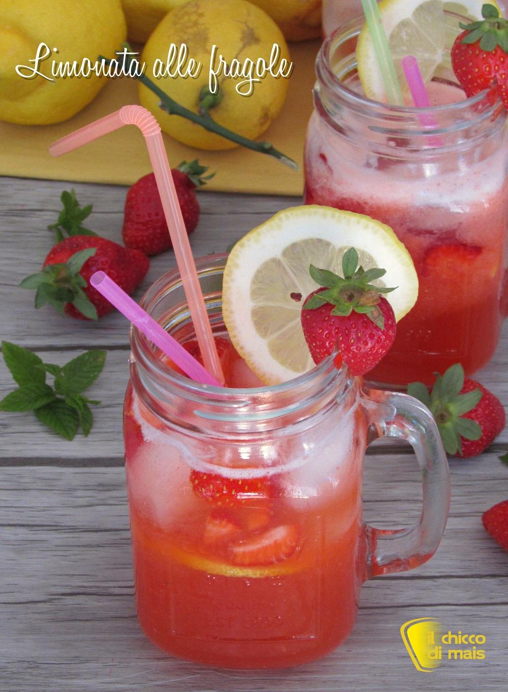 verticale_Limonata alle fragole ricetta bevanda dissetante con fragole fresche analcolica il chicco di mais