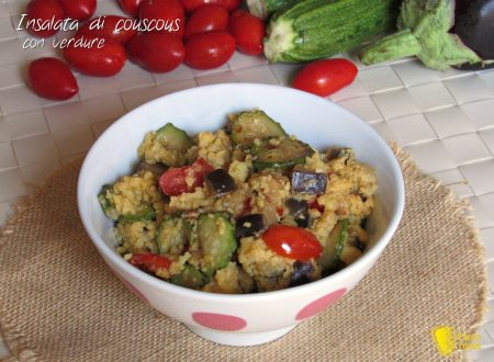 Insalata di couscous con verdure alla curcuma
