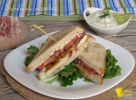 Sandwich al pollo con bacon
