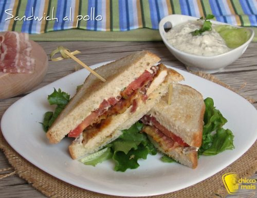 Sandwich al pollo con bacon