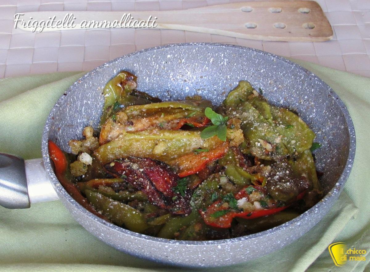 Peperoni friggitelli ammollicati in padella ricetta peperoni con mollica di pane il chicco di mais