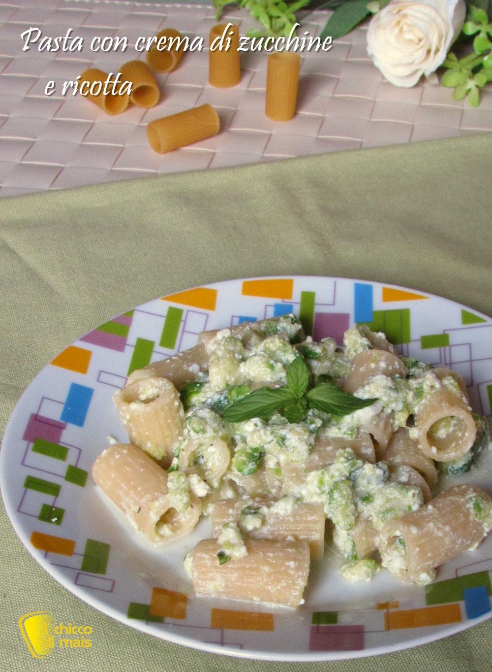 verticale_Pasta con crema di zucchine e ricotta ricetta leggera poche calorie senza grassi il chicco di mais