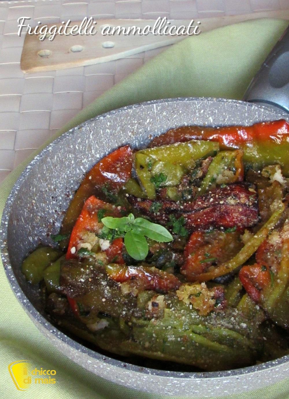 verticale_Peperoni friggitelli ammollicati in padella ricetta peperoni con mollica di pane il chicco di mais