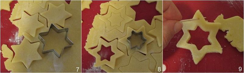 Biscotti di vetro natalizi con caramelle gommose da appendere all'albero di Natale ricetta facile il chicco di mais 3 ritagliare le stelle