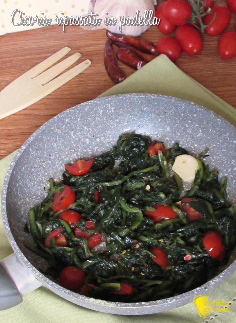 verticale_cicoria ripassata in padella con pomodoro fresco ricetta facile e veloce il chicco di mais