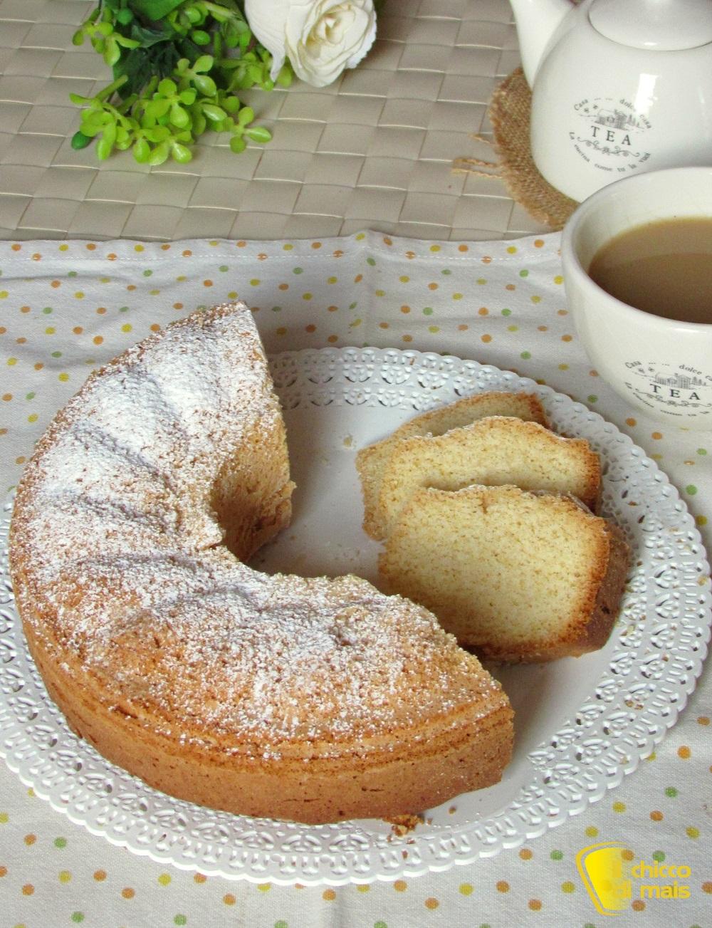 verticale_ciambellone semplice leggero e genuino ricetta senza burro senza lattosio senza glutine il chicco di mais
