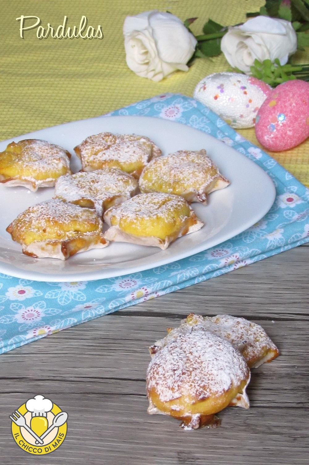verticale_Pardulas o formaggelle sarde di ricotta ricetta tipica di pasqua il chicco di mais
