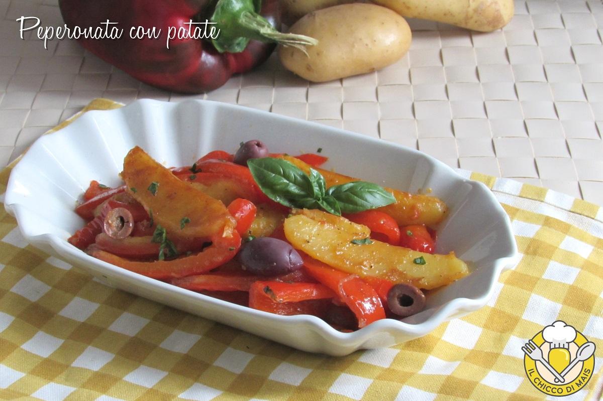 Peperonata con patate e olive ricetta romana estiva il chicco di mais