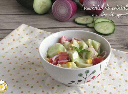 Insalata di cetrioli con salsa allo yogurt