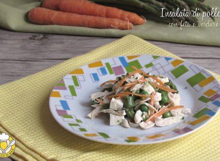 Insalata di pollo con feta e verdure