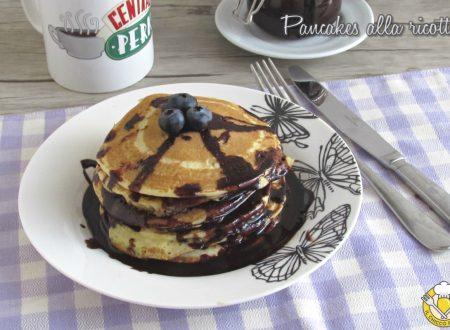 Pancakes alla ricotta con salsa al cioccolato