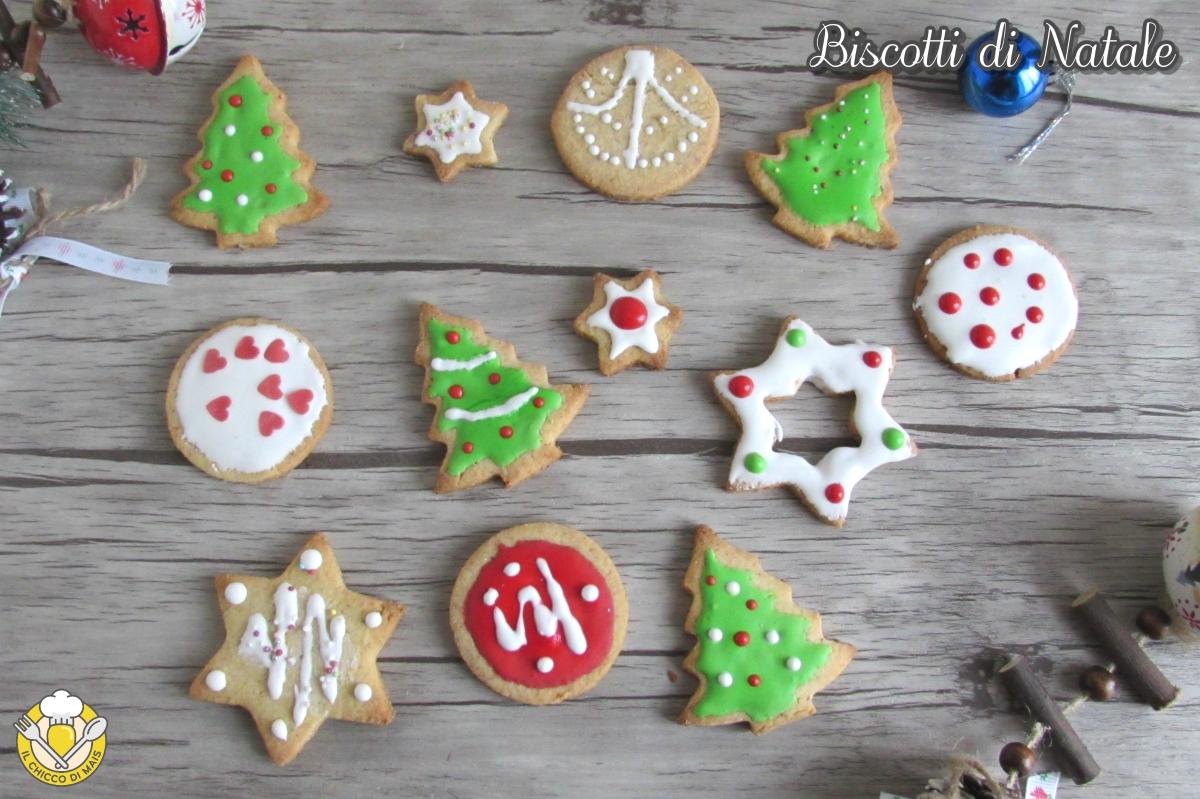 dolci di natale biscotti di Natale decorati con glassa colorata ricetta biscotti natalizi anche senza glutine il chicco di mais