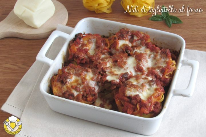 nidi di tagliatelle al forno con ragù e formaggio ricetta veloce senza lessare la pasta il chicco di mais