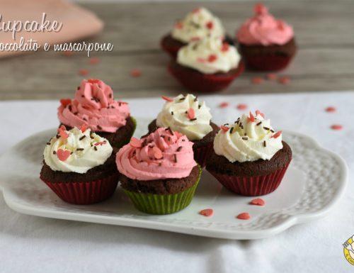 Cupcake al cioccolato e mascarpone decorati