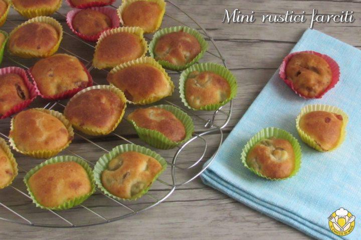mini rustici farciti con olive pancetta pomodori secchi ricetta buffet feste rinfreschi il chicco di mais