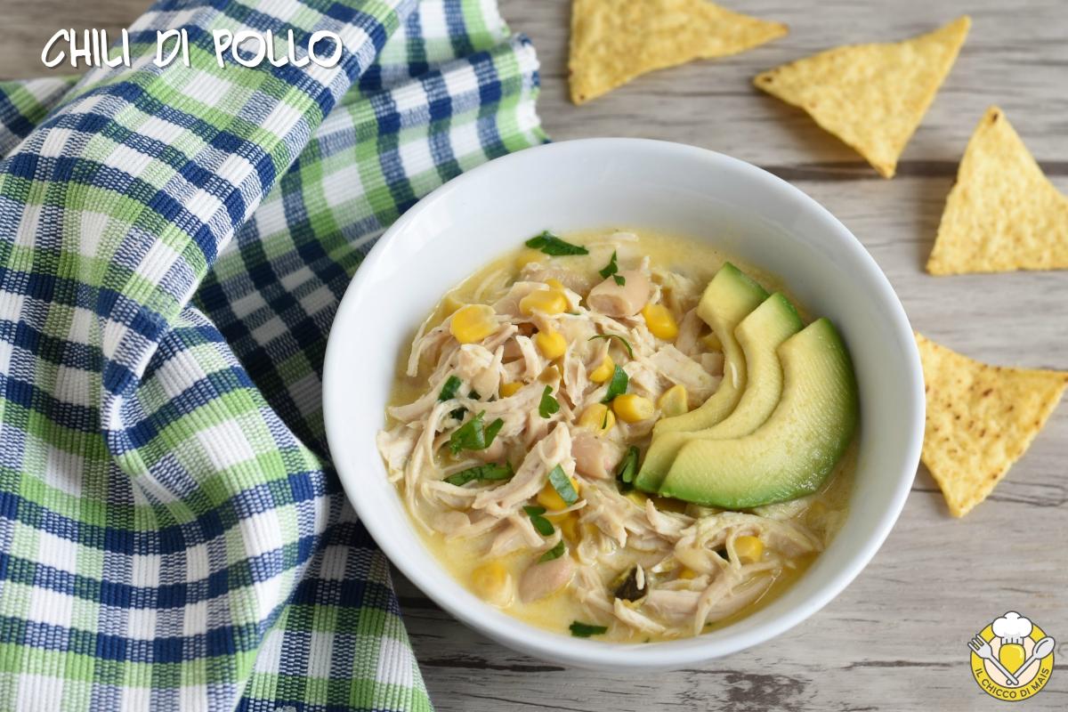 chili di pollo con fagioli e avocado ricetta messicana chili bianco il chicco di mais