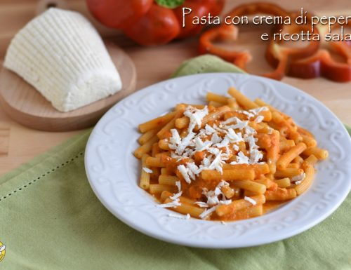 Pasta alla crema di peperoni e ricotta salata
