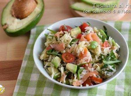 Insalata di riso con salmone e avocado