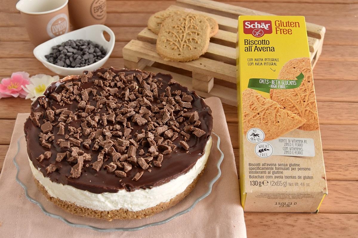 o_cheesecake freddo con ganache al cioccolato e biscotti all'avena senza glutine schar ricetta il chicco di mais