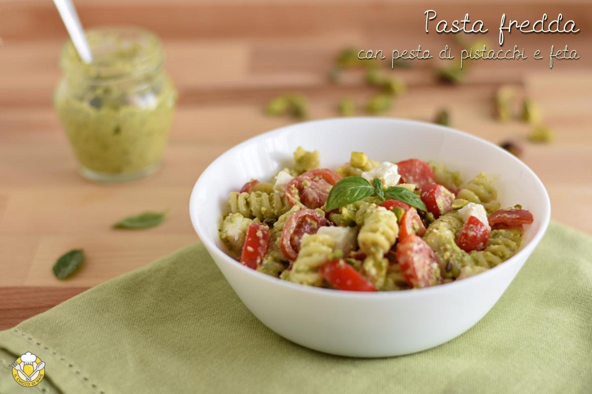pasta fredda con pesto di pistacchi feta e pomodorini ricetta insalata di pasta originale veloce il chicco di mais