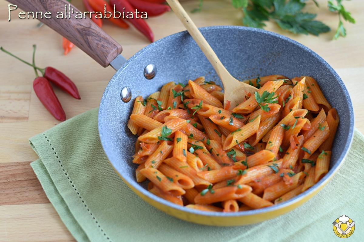 penne all'arrabbiata ricetta originale romana con peperoncino fresco o secco il chicco di mais