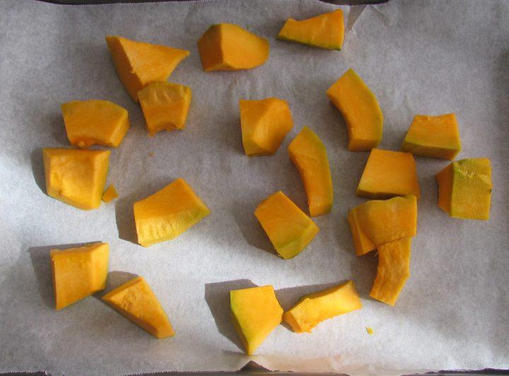 Come congelare la zucca 5 disporla in un vassoio