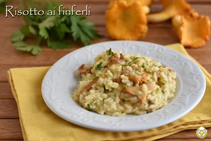 risotto ai finferli ricetta risotto cremoso ai funghi gallinacci o galletti il chicco di mais