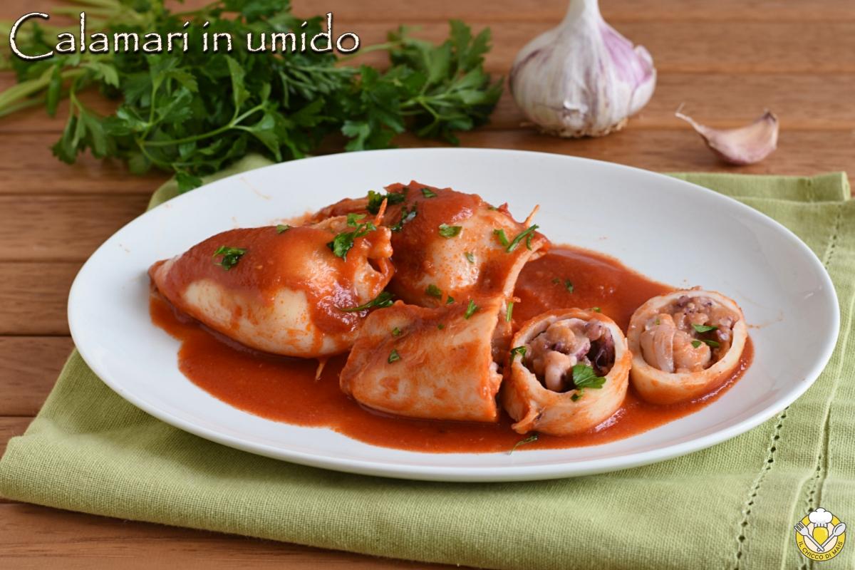 Calamari ripieni in umido ricetta saporita facile e veloce cotti in pentola con il pomodoro il chicco di mais