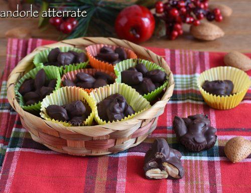Mandorle atterrate al cioccolato