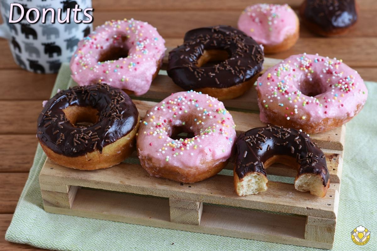 donuts ciambelle americane di homer rosa e al cioccolato ricetta tradizionale e senza glutine passo passo il chicco di mais