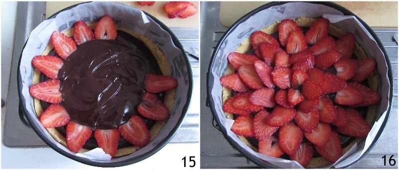 crostata al cioccolato e fragole senza cottura ricetta dolce veloce con base di biscotti sbriciolati il chicco di mais 6 decorare con le fragole