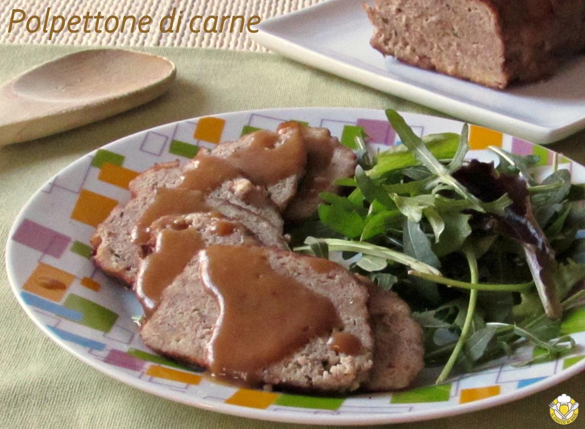 Polpettone di carne con salsa saporita ricetta classica polpettone morbido e succulento cotto al tegame il chicco di mais
