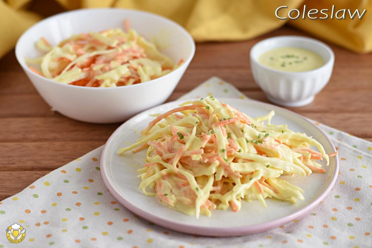 coleslaw insalata di cavolo e carote americana con salsa allo yogurt ricetta per hamburger il chicco di mais
