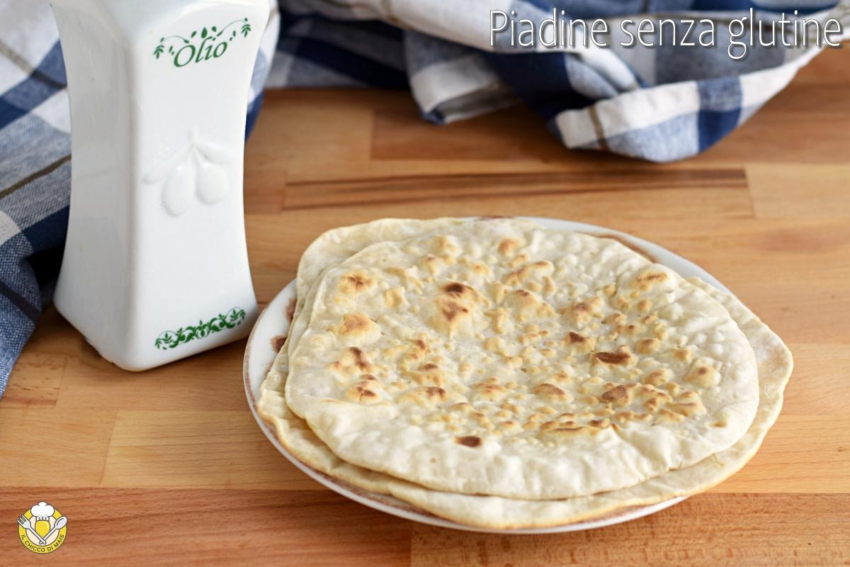 piadine senza glutine all'olio morbide fragranti cotte in padella ricetta veloce senza lievito senza strutto il chicco di mais