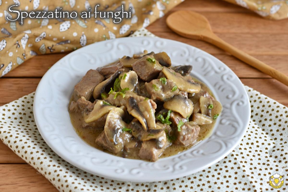 spezzatino ai funghi cremoso senza panna ricetta facile con manzo o vitello il chicco di mais