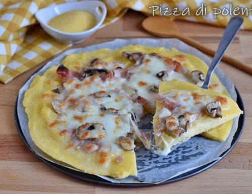 Pizza di polenta con funghi e prosciutto