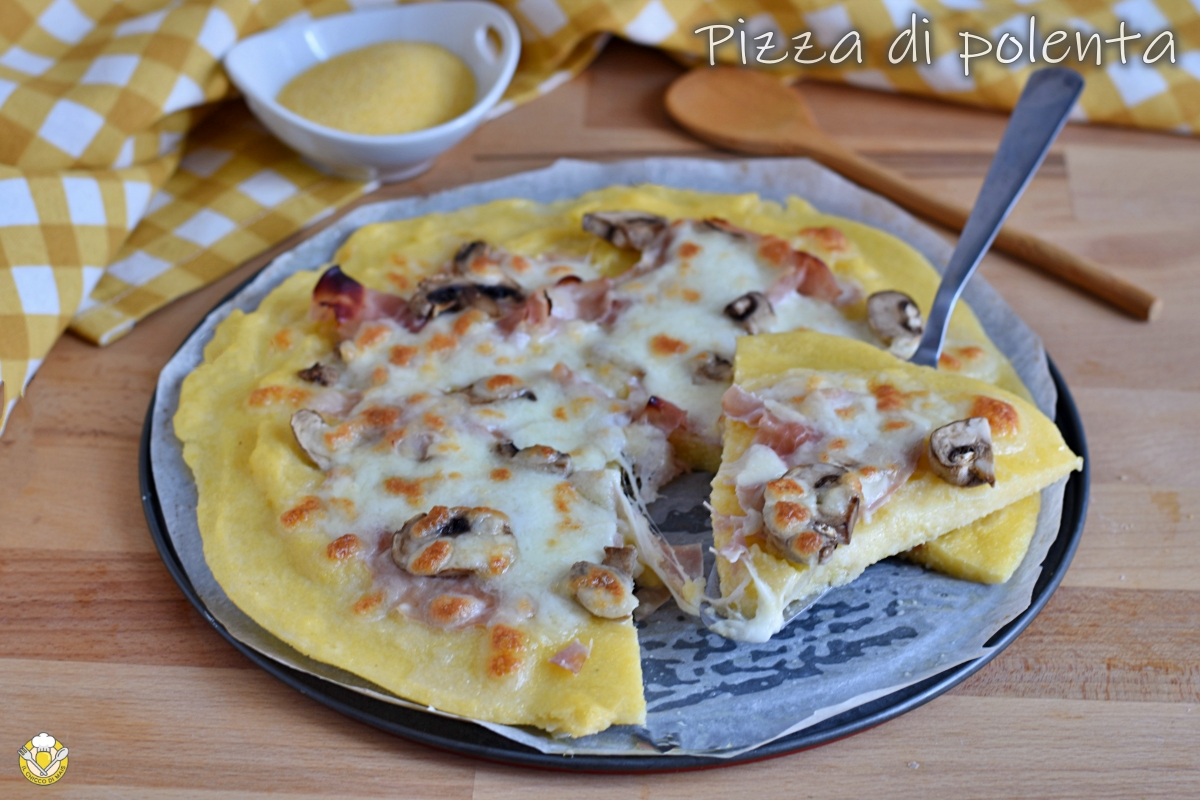 pizza di polenta in bianco con prosciutto cotto funghi e mozzarella ricetta facile e veloce il chicco di mais