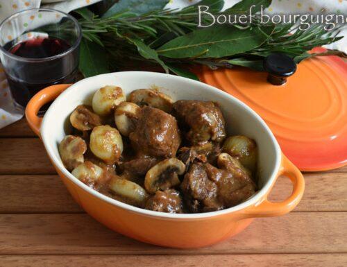 Bouef bourguignon: ricetta tradizionale e nella slow cooker