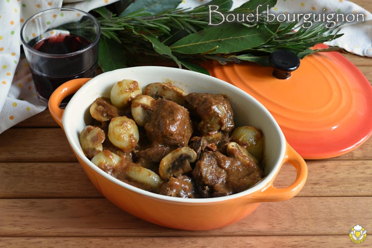 bouef bourguignon manzo alla borgognona ricetta tradizionale e nella slow cooker il chicco di mais