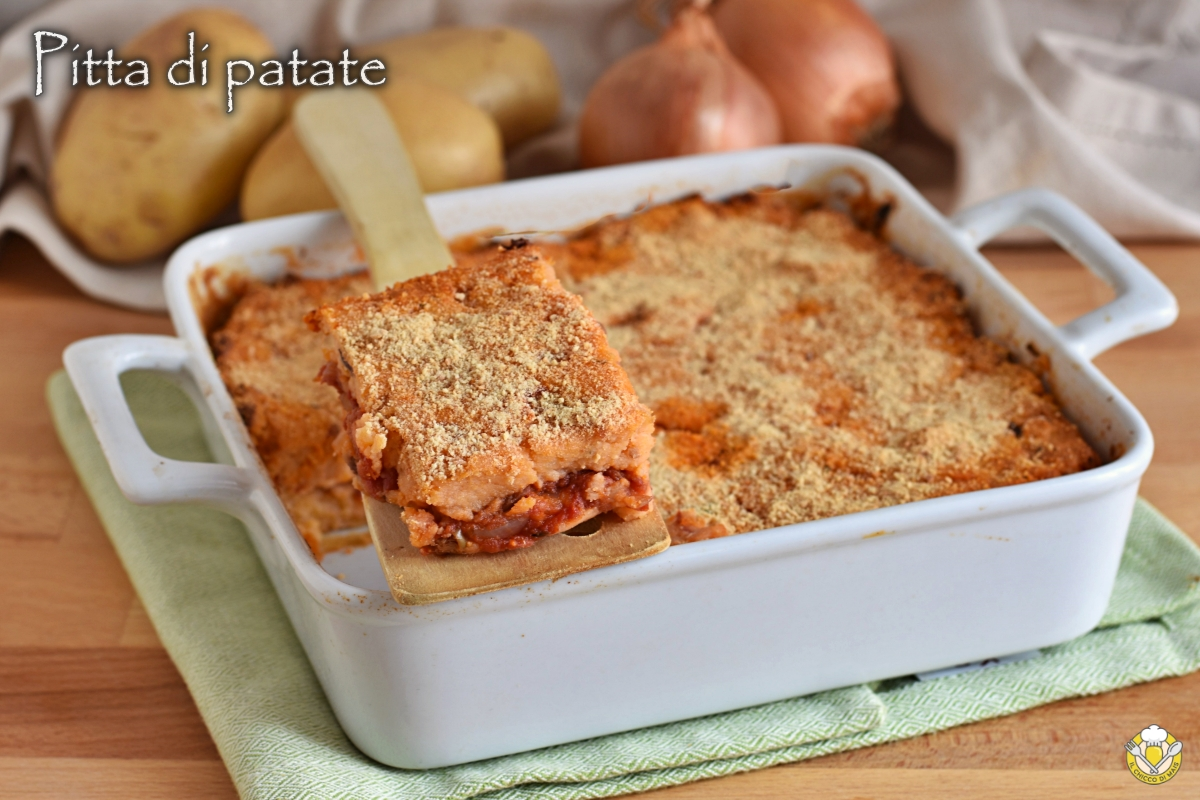 pitta di patate salentina ricetta originale pugliese torta di patate lesse con pomodoro olive e cipolle il chicco di mais