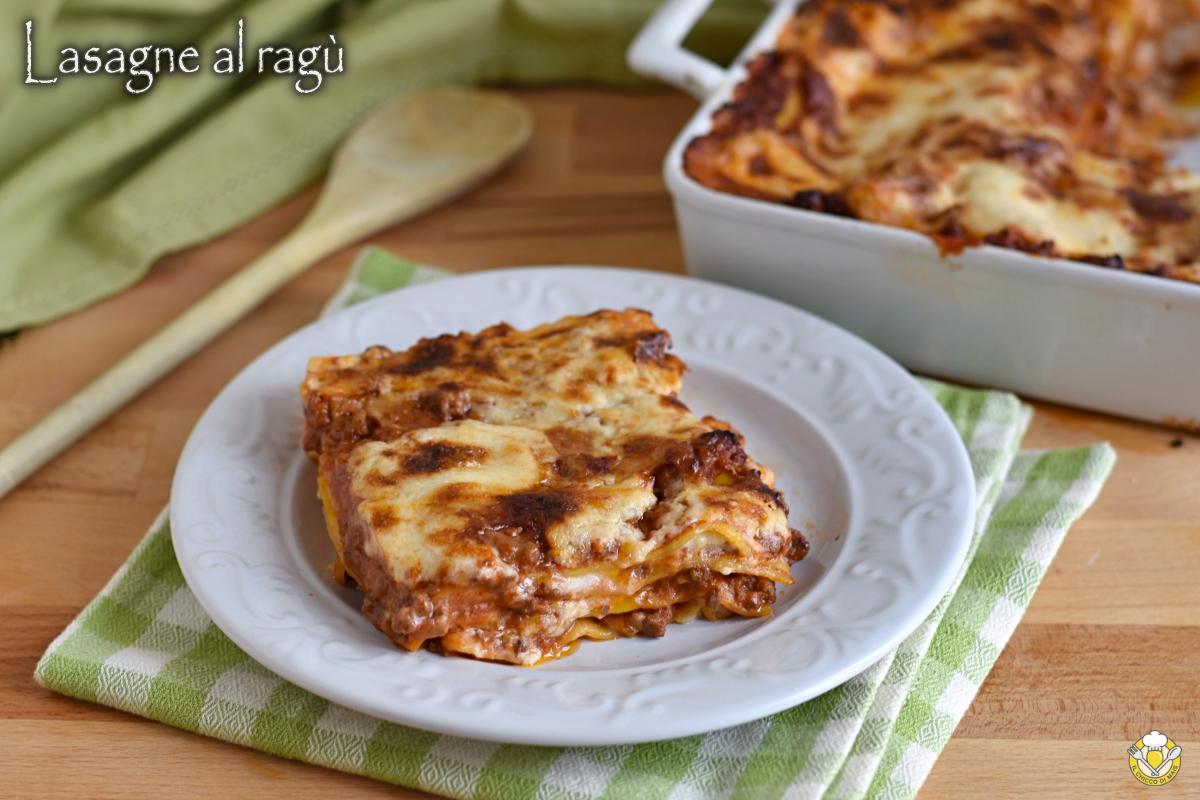 lasagne al ragù bolognese ricetta emiliana lasagne senza mozzarella con besciamlla e sugo di carne il chicco di mais