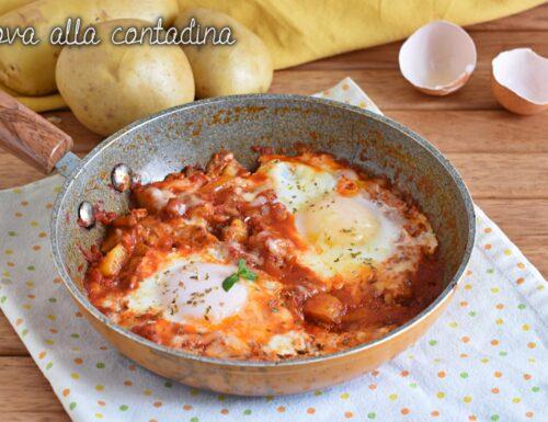 Uova alla contadina con patate e pomodoro