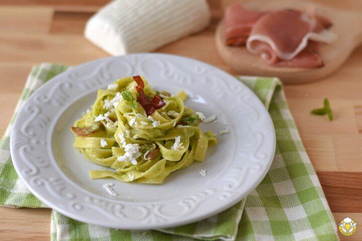tagliatelle di mais con crema di zucchine spek e ricotta salata ricetta senza glutine il chicco di mais